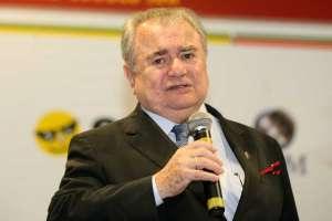 Zeno Veloso. Doutor Honoris Causa pela Universidade da Amazônia. Diretor do IBDFAM para a Região Norte. Professor da UFPA e da UNAMA. Tabelião em Belém